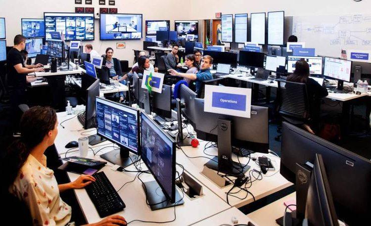 Los contratistas de Facebook deben trabajar en las oficinas durante la Pandemia de Coronavirus, mientras el personal se queda en casa.