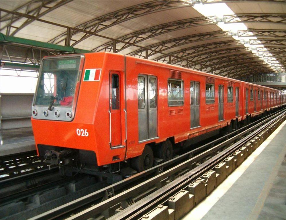 """La Línea B del Metro de CDMX ya cuenta con internet: ahora son ocho de las 11 líneas que ofrecen WiFi """"gratis"""""""
